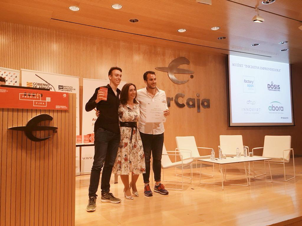 Empresa de desarrollo de apps recibe premio de emprendimiento